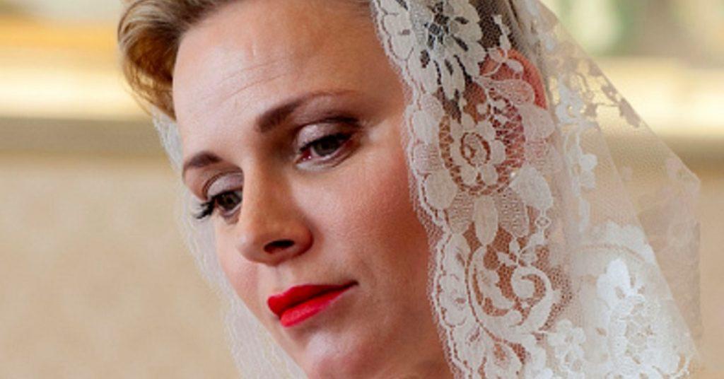 """""""Riposa in pace"""". Charlène di Monaco, la principessa travolta dal dolore"""