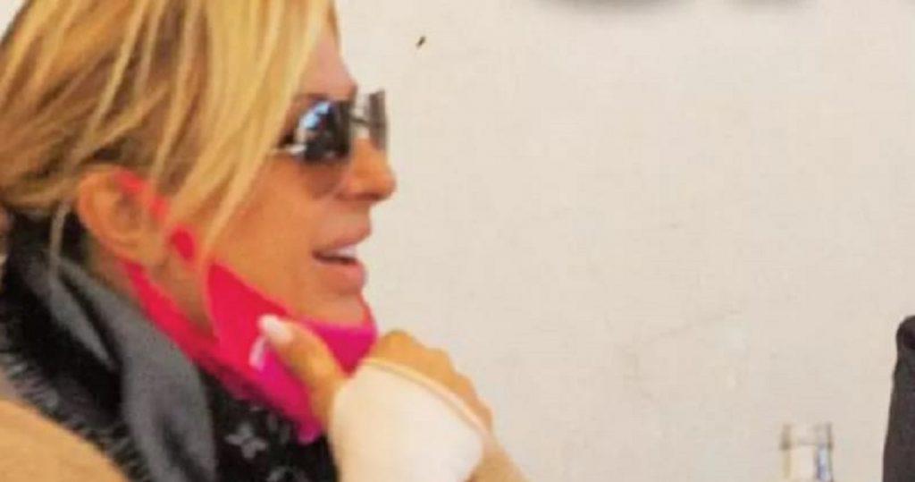 Tina Cipollari paparazzata con il nuovo fidanzato: è un famoso collega